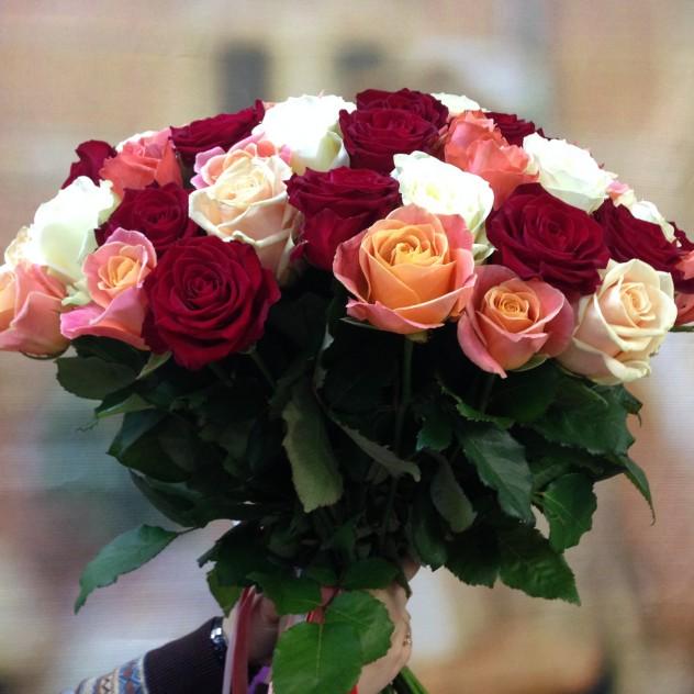 Букет №5 Разноцветные яркие розы
