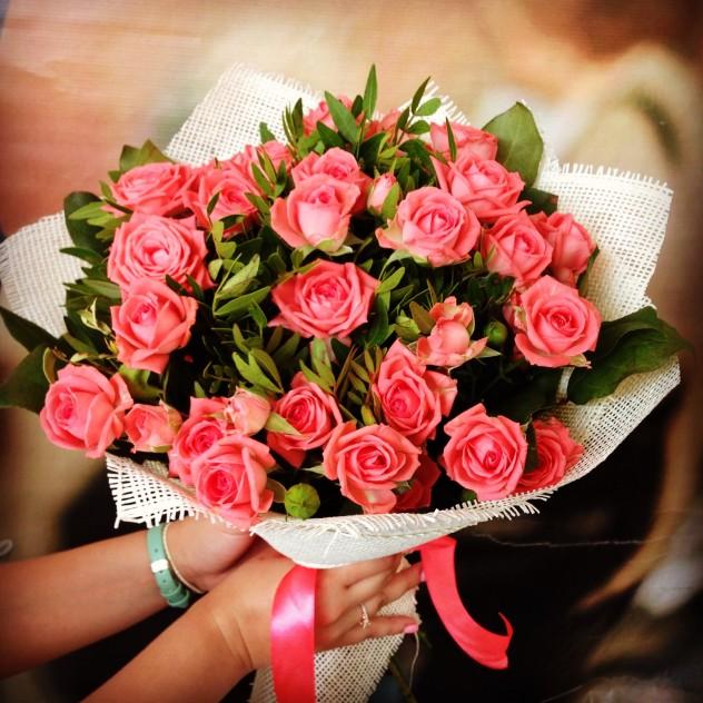 Букет №24 Букет из кустовых роз